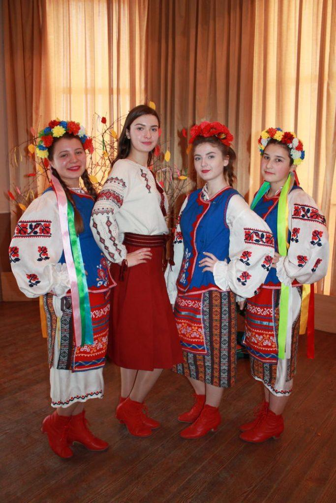 Вихованці гуртка «Народний фольклор»(дівчата)