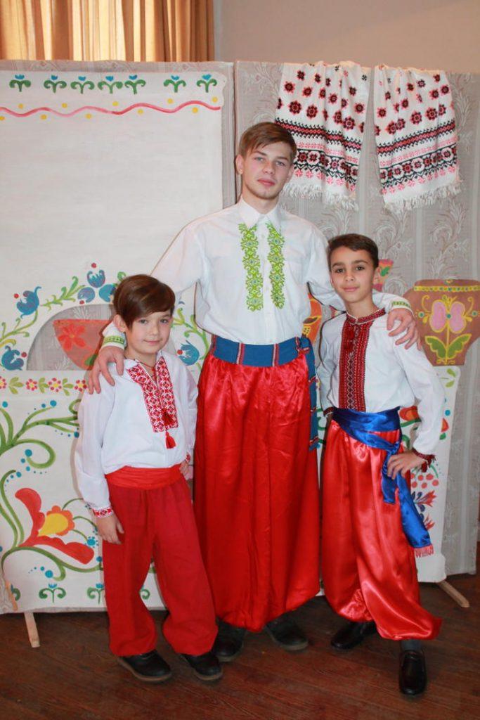 Вихованці гуртка «Народний фольклор»(хлопці)