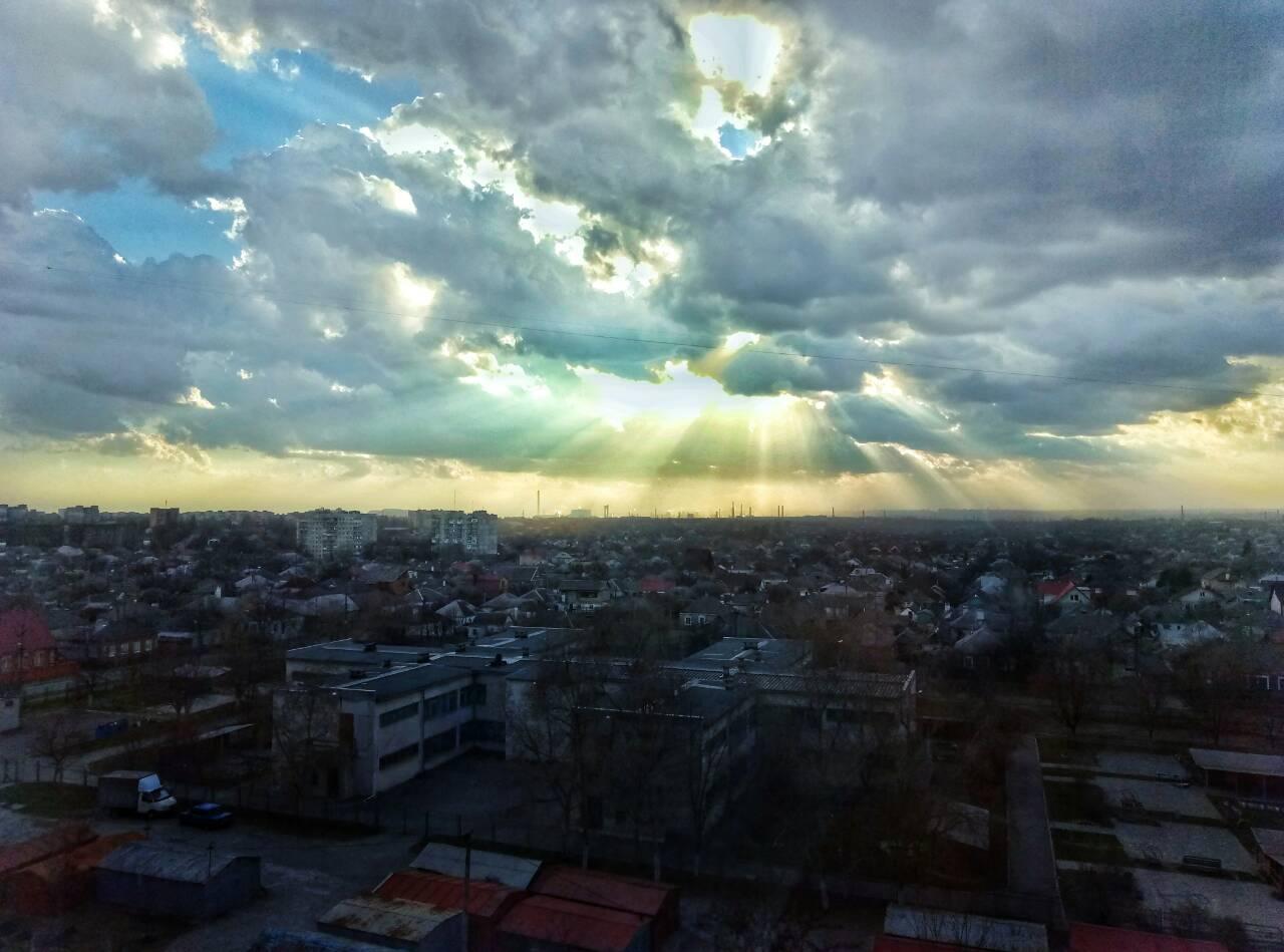Іванова Даря. позажанрове, світло над містом