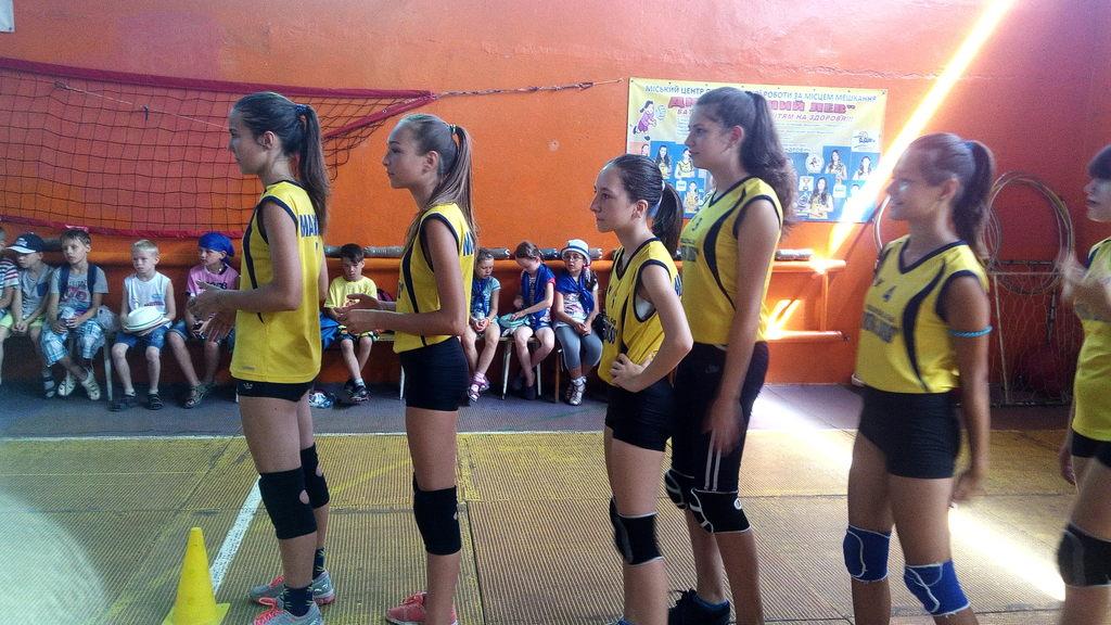 вихованці гуртка «Волейбол»