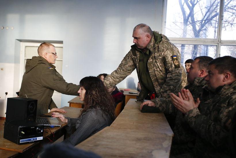 Вихованці гуртка «Стань творцем свого життя» привітали українських воїнів святковим концертом